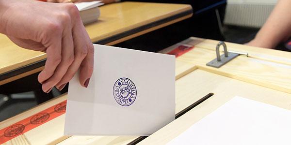 Myös sinä voit vaikuttaa äänestämällä maakuntavaaleissa