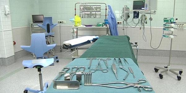 Huone sairaalassa valmiina operointia varten